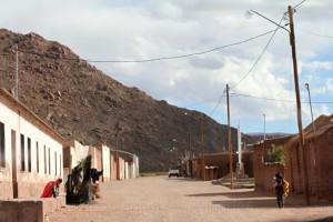 Dorf an der RN 40, Antofagasta, Argentinien