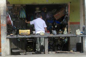 Geschäft in Pedernales, Ecuador
