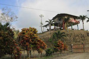 Typischer Hausbau der Küstenregion, Ecuador